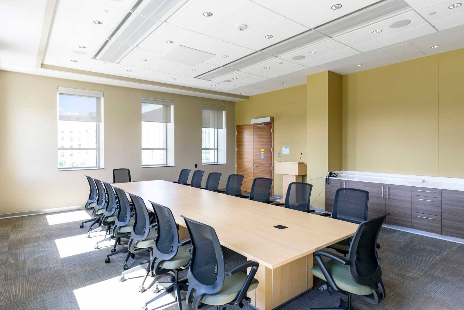 Photo of the Aspen Meeting Room in the EFB
