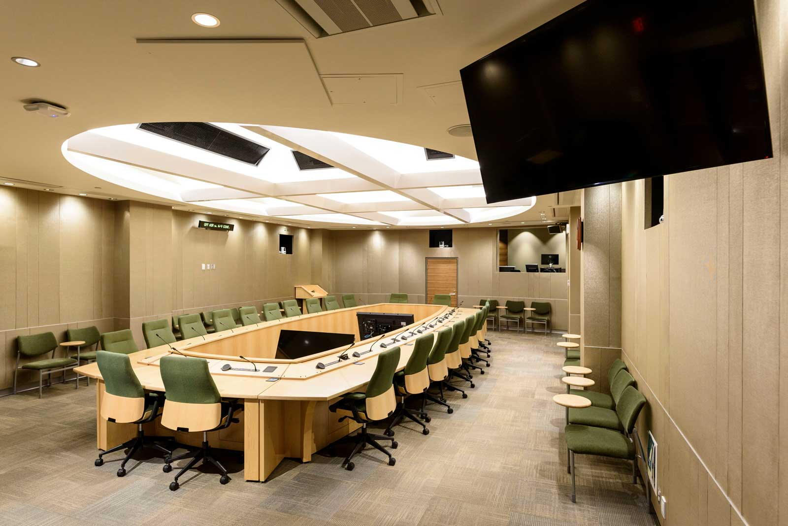 Photo of the Foothills Committee Room in the EFB