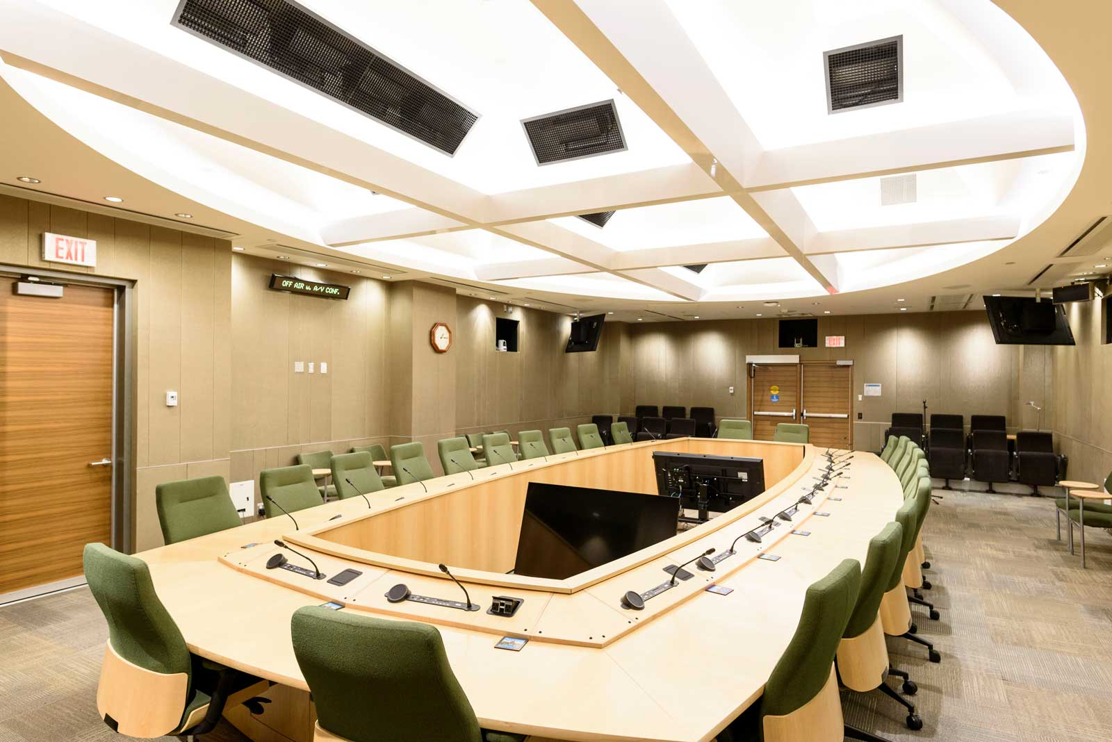 Photo of the Parkland Committee Room in the EFB